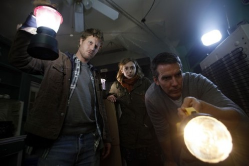 Chris-Kentis-Elizabeth-Olsen-Adam-Trese-and-Will-Hart-in-Silent-House-2011-Movie-Image-600x400