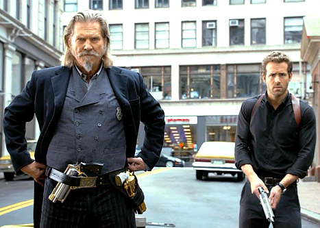 1366307178_jeff-bridges-ryan-reynolds-467